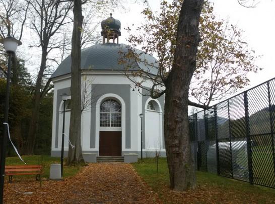 Kaplica służyła jako szalet. Teraz udzielają w niej ślubów.